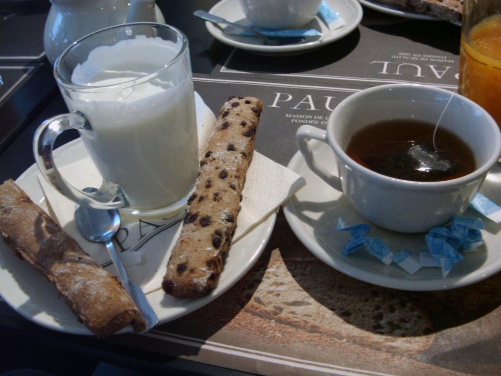 Frühstück am Flughafen