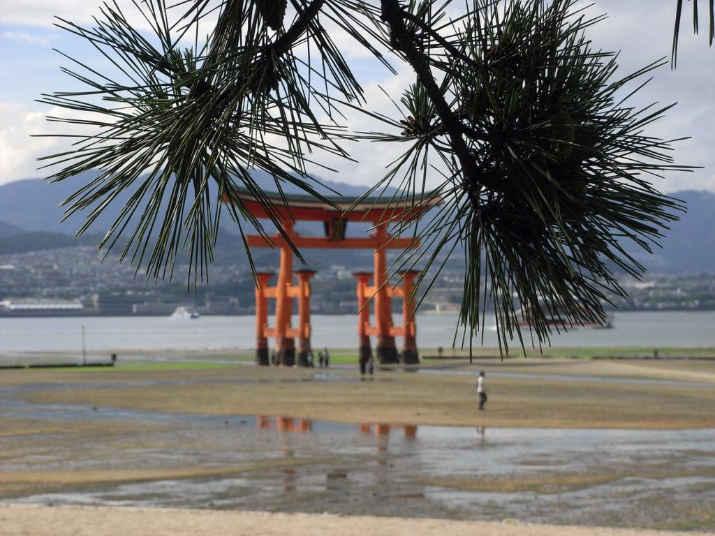 Itsukushima-Schrein aus einem anderen Blickwinkel