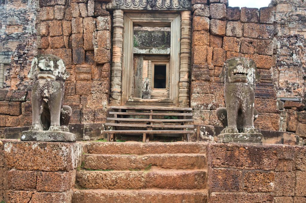 Östlicher Mebon aus der Nähe in Kambodscha