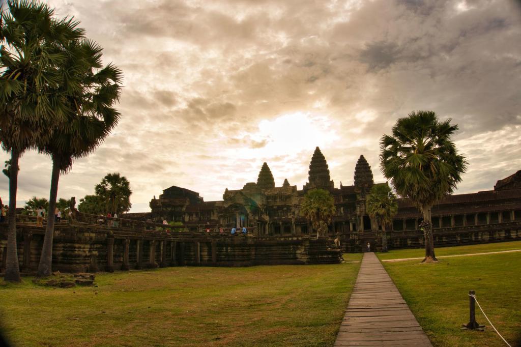 Angkor Wat in den Morgenstunden in Kambodscha