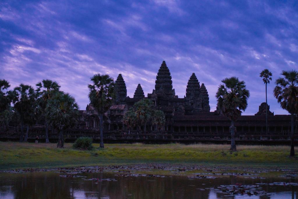 Sonnenaufgang beim Angkor Wat in Kambodscha