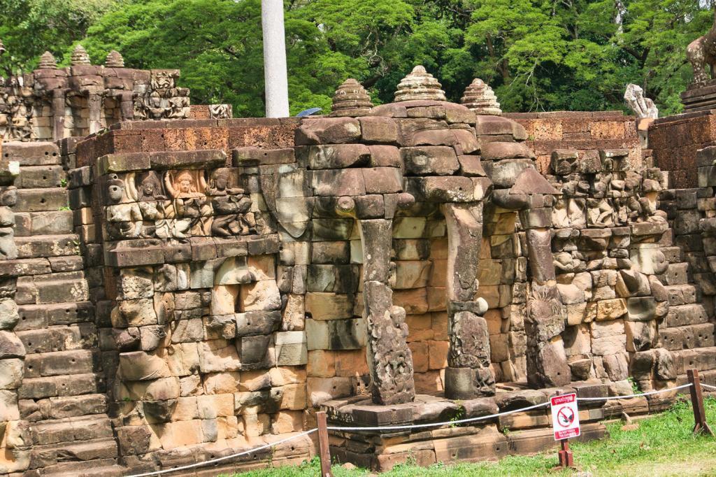 Elefanten Statuen der Terrasse der Elefanten in Kambodscha