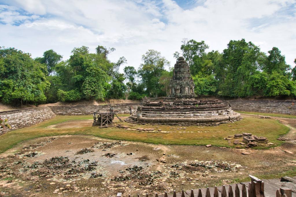 Wasserbecken beim Neak Pean in Kambodscha