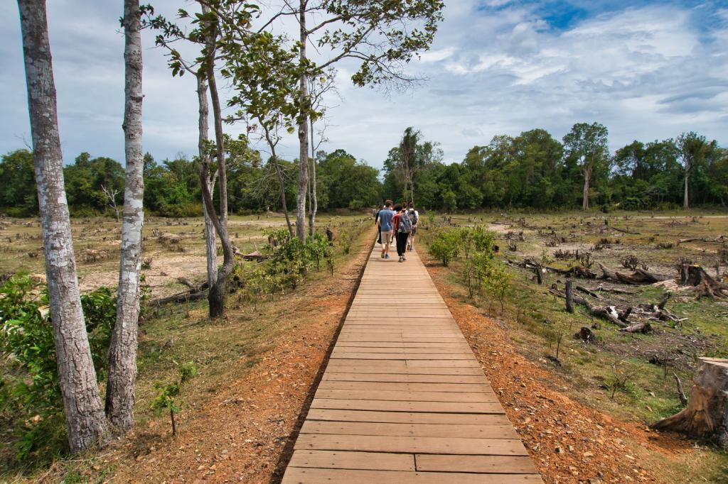 Steg zum Neak Pean in Kambodscha