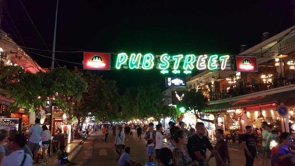 Pub Street in Siem Reap in Kambodscha