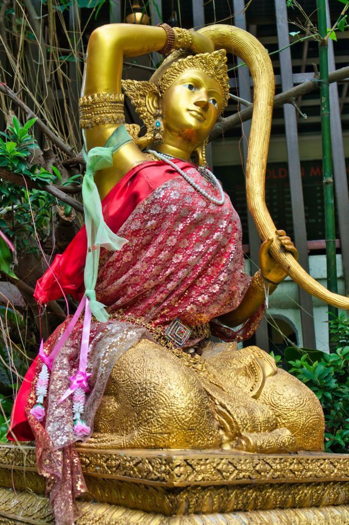 Statue beim Golden Mount in Thailand