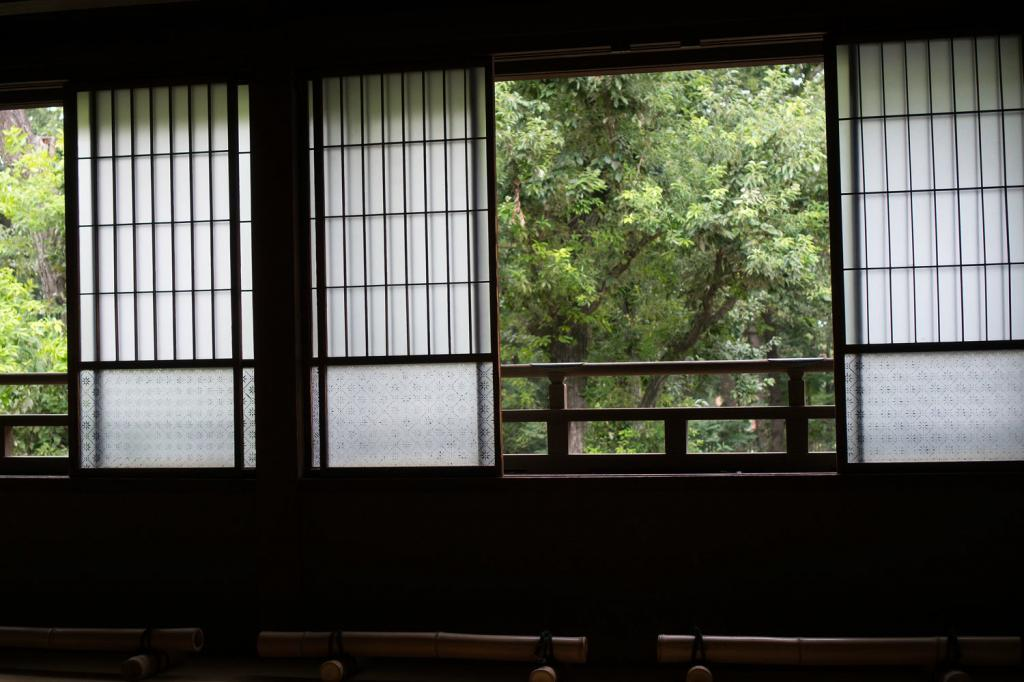 Ein Fenster in einem altem japanischem Haus.
