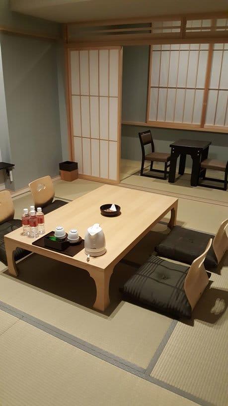 Hotelzimmer im Honryuji Hotel.