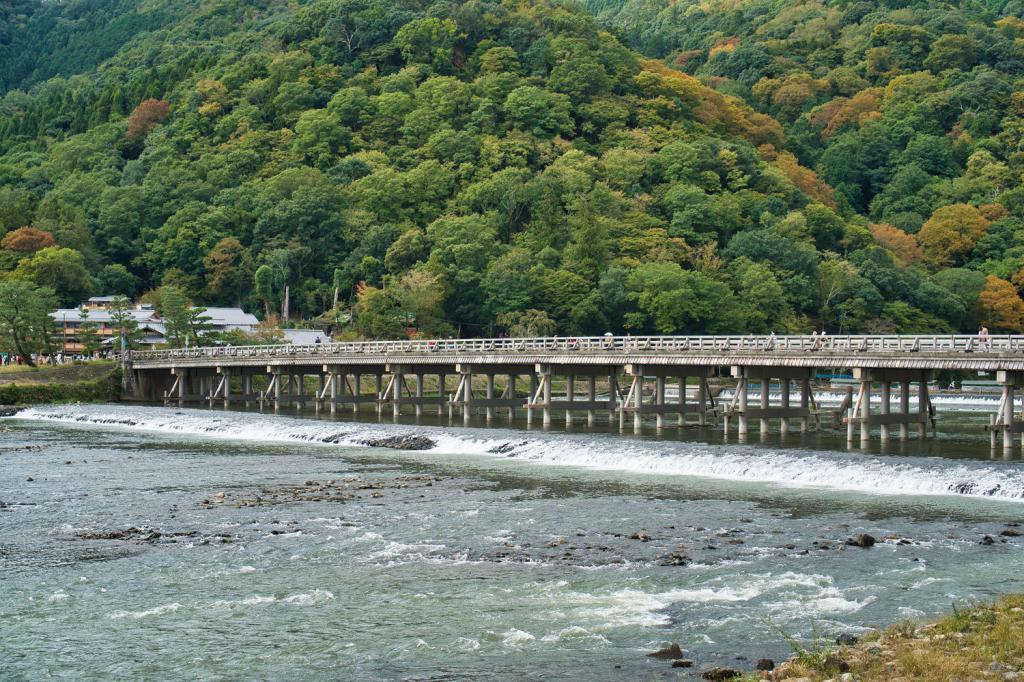 Die Togetsu-kyō Brücke in Kyoto.