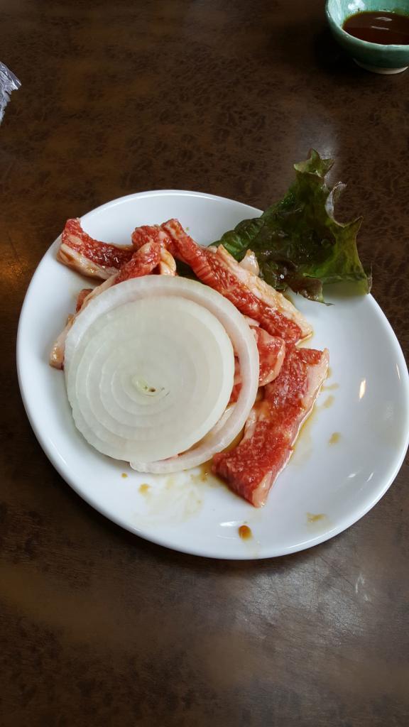 Yakiniku vom Tajima-Rind vorm Grillen in Asago