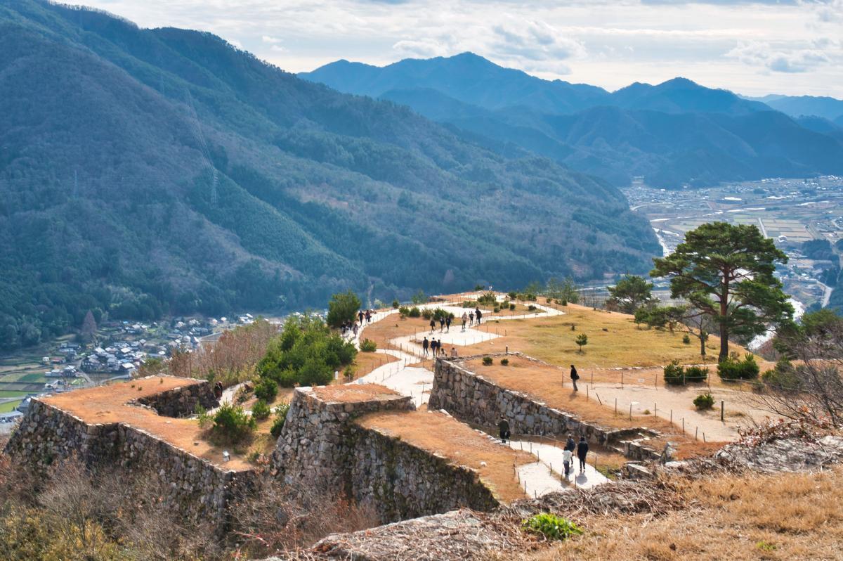 Aussicht von der Burg Takeda ins Tal