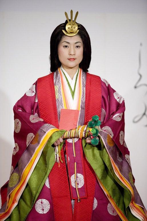 Geschichte der japanischen Kleidung: Der Jūnihitoe
