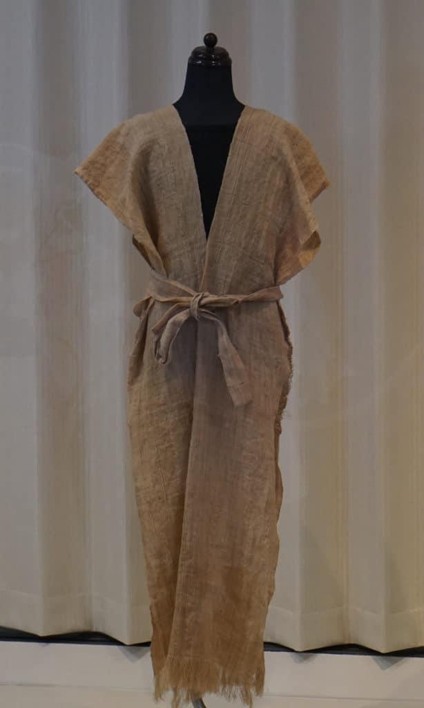Geschichte der japanischen Kleidung: Kleidung aus Hanf während der Jomon-Zeit